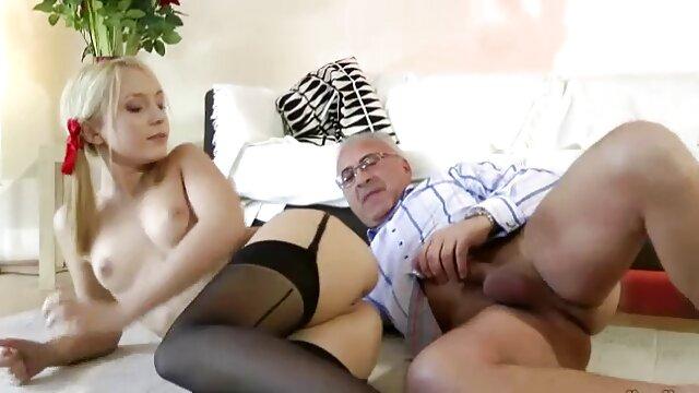 Mamma ebano upskirt porno sotto la doccia