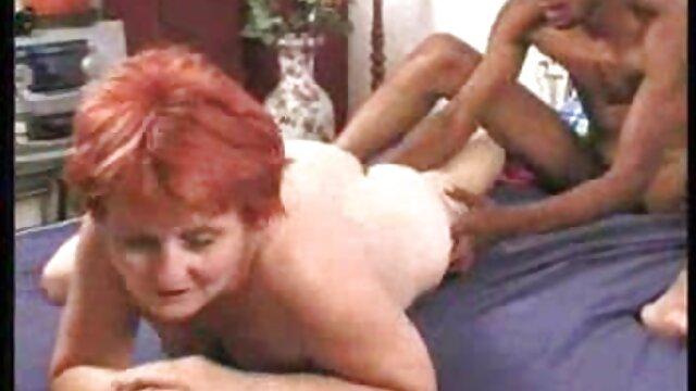 Sborrata porno in doccia